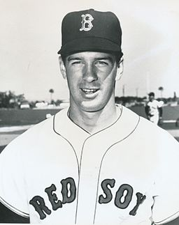 The strong right arm of Jim Lonborg sent the Sox to the 1967 World Series. By Boston Red Sox / MLB (ebay.com, front of photo, back of photo) [Public domain], via Wikimedia Commons